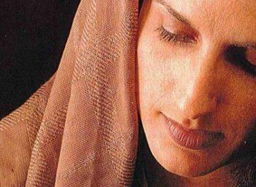 Didžioji Velykų savaitė. Trečiadienis - šviesos spindulys tamsoje, kai moteris patepė Kristų brangiu aliejumi