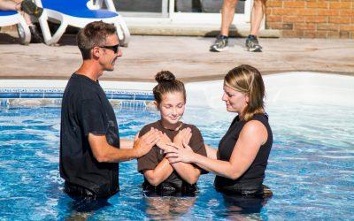 Ar gali krikščionė moteris krikštyti? | Klausimai – atsakymai