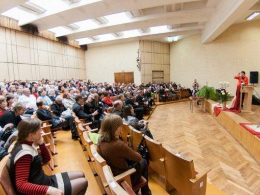 """Intensyvus evangelinės teologijos studijų ir kartu Krikščionių bendrijos """"Tikėjimo žodis"""" statymo laikotarpis – 2006 m. / 2012 m. (VI)"""